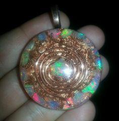 images Crystal Healing, Chakra, Heart Ring, Opal, Glow, Crystals, Pendants, Beauty, Image