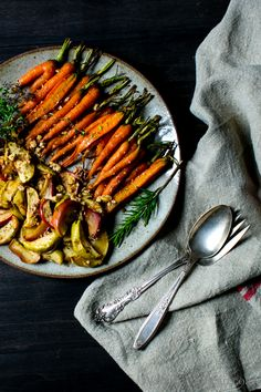 Maple Roasted Cardamom Spice Carrots -- PLUS 30 other thanksgiving side dish recipes for your holiday