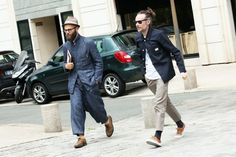 Street Style at Paris Fashion Week : As Paris Fashion Week comes to a close, here we find a nice summary of the better styles seen off Best Mens Fashion, Daily Fashion, Style Casual, My Style, Daily Style, American Casual, Fade Styles, Workwear Fashion, Fashion Images