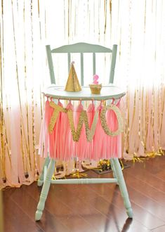 Pink and Gold 2nd birthday party via Kara's Party Ideas KarasPartyIdeas.com Pritables, cake, decor, cupcakes, tutorials, stationery, recipes, and more! #glitterparty #girlparty #pinkandgold #secondbirthdayparty (18)