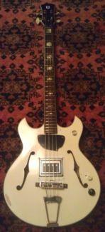 Aria Semiakustik Bass vintage mit Guild Bisonic Pickup in Baden-Württemberg - Waghäusel | Musikinstrumente und Zubehör gebraucht kaufen | eBay Kleinanzeigen