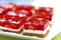Strawberry Pretzel Squares sooo good. http://www.kraftcanada.com/en/recipes/strawberry-pretzel-squares-82654.aspx Pretzel Crust, Pretzel Jello, Refreshing Desserts, Delicious Desserts, Strawberry Pretzel Salad, Strawberry Topping, Strawberry Recipes, Lemon Squares, Granny Squares