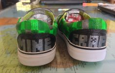Back of Minecraft Creeper shoes