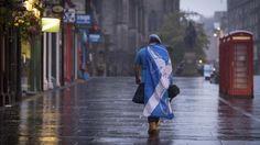 YES. La independencia perdió en el referéndum en Escocia. Un No silencioso pero mayoritario se impuso y favoreció la unión con Gran Bretaña, ante la incertidumbre económica y el miedo al futuro que el Sí les generaba. El 55,3 por ciento por el No y el 44,7% para el Sí fue una sorpresa, en una ajustada campaña. (AP)