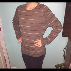 Banana republic oversize sweater Lighter striped sweater! Lovely colors and incredibly comfortable. 100% cotton. in great condition! Perfect with jeans or leggings and can be dressed up or down! Banana Republic Sweaters Crew & Scoop Necks