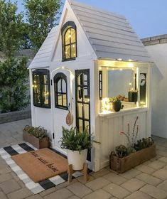 60 Adorable Farmhouse Cottage Design Ideas And Decor - Googodecor Backyard For Kids, Backyard Patio, Backyard Storage, Backyard Landscaping, Backyard Retreat, Patio Roof, Play House Outdoor Kids, Forts For Kids Outdoor, Kids Tree Forts
