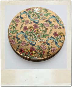 ~ Small Vintage Compact ~