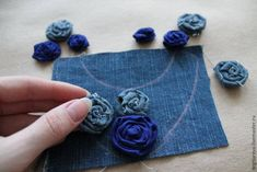 "Képtalálat a következőre: ""denim bracelet"" Fabric Flower Necklace, Fabric Jewelry, Hair Jewelry, Denim Crafts, Upcycled Crafts, Sewing Crafts, Denim Bracelet, Denim Earrings, Artisanats Denim"