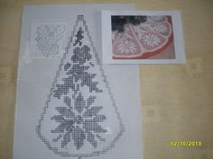 filet crochet Christmas tree skirt