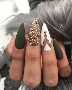 "4,867 Likes, 19 Comments - Riya's Nails Salon (@riyathai87) on Instagram: ""#birthdaygirl  riyasnailsalon #hairandnailfashion #wakeupandmakeup #vegas_nay #makeup4glam…"""