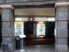 Entrada del Kafe Antzokia de Bilbao.