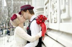 Como planejar um cerimonial de casamento: Cores são importantes e devem ser definidas logo, porque serão usadas como base para outras decisões: como, por exemplo, as flores do bouquet e da lapela do noivo.