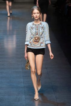 10fa9aac584 Dolce and Gabbana fall 2012 tapestry coat