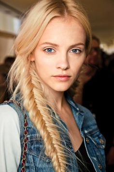 21 Braid Ideas For Long Hair // blonde side braided fishtail ponytail #hairstyle