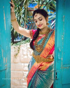 Beauty of Aesthetic wood work and rustic portraits❤️ . for Photography Hire Your Favourite Make-up… Bridal Sarees South Indian, Bridal Silk Saree, Indian Bridal Outfits, Indian Bridal Fashion, South Indian Bride, Indian Bridal Photos, Indian Sarees, Silk Sarees, Wedding Saree Blouse Designs