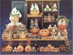 Clay Magic - Catalog - Page 21 Polymer Clay Halloween, Halloween Cakes, Fall Halloween, Halloween Decorations, Ceramic Shop, Ceramic Clay, Fall Crafts, Diy And Crafts, Haunted Dollhouse