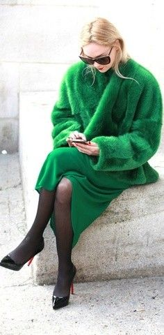 Emerald coat2013 top fashion Emerald trench coat fancy Emerald coat for girls #street #style www.loveitsomuch.com