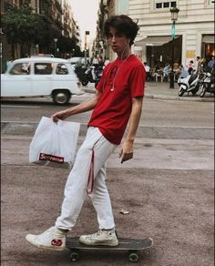 Skate board outfit this is how to don the trend. Skater Boy Style, Hot Skater Boys, Skater Girl Outfits, Boy Outfits, Stylish Outfits, Disney Outfits, Stylish Men, School Outfits, Boys Lindos