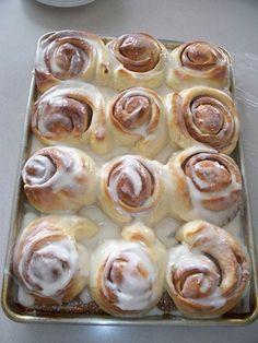 Gooey easy homemade cinnamon buns
