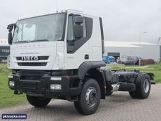 1 unit Iveco AT190T38H TRAKKER 4x2  chassis cabin - NEW  Price: € 69.500,-  More information: http://www.pktrucks.com/stock/view/iv2367
