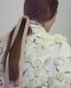 See all the gorgeous details backstage at Dior's Spring 2016 runway show.