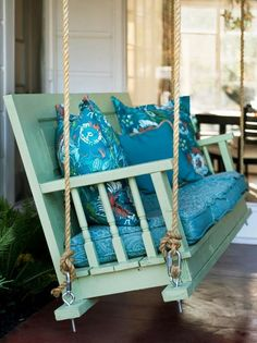 Awesome Farmhouse Porch Swing Decor Ideas What's not to love about a front porch swing? Few things add as much curb appeal, and even fewer do it… Continue Reading → Diy Porch, Diy Deck, Diy Patio, Farmhouse Porch Swings, Pallet Porch Swings, Pallet Swing Beds, Hanging Planter Boxes, Building A Porch, House With Porch
