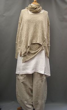 Completo Lino White A Line Long Linen Layering Tunic 16 22 24 | eBay [note hem of second layer pinned up onto outer layer]