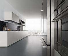 Zampieri - #Y kitchen in pearl grey lacquer.