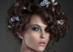 cute-hairstyles-for-curly-hair-19