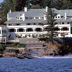 Haunted Inns by the Sea - Ten haunted (allegedly!) hotels, inns and lighthouses.
