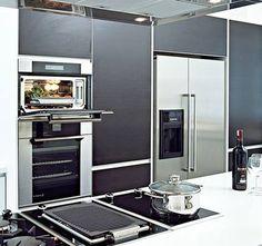 La cocina no es solo para presumir, hay que sentirse a gusto cocinando, como en esta, que tiene todo lo necesario   #diseñodecocinas #cocinasMadrid #MueblesDecocina #Electrodomésticos