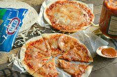 Easy Tortilla pizzy jsou skvělý po škole svačinu recept, který děti budou milovat!