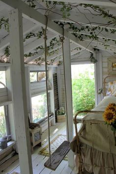 The Bird's Nest Inn is the secluded tiny get away behind Paula's little old farmhouse. In a former life, it housed chickens. Country Girl Home, Country Cottage Bedroom, Cozy Cottage, Country Cottages, Cottage Living, Laguna Beach House, I Love House, Tiny House, Vintage Porch