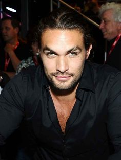 Dear lawwwwd! 12 Times Jason Momoa Looked Like He Was Up To No Good