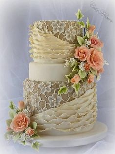 Beautiful cake from Cake Heaven by Marlene.