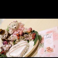 Handmade wedding rings holder