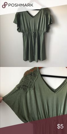 "Liz Lange Maternity green tunic top Green colored tunic top - elastic waist - rayon/spandex - detail at shoulders - super soft - flowy hemline - chest across measures 17"" - total length measures 28"" - size S Liz Lange Tops Tunics"