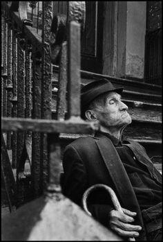 Leonard Freed, Old man from Eastern Europe, New York, USA, © Leonard Freed/Magnum Photos Black N White Images, Black And White, Leonard Freed, Roland Barthes, Man Photography, New York, Photographs Of People, Magnum Photos, Street Photo