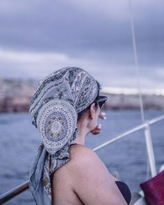 I told you I am getting obsessed with head scarfs. Here a very pretty one worn by the beautiful @anita_ben .... searching the horizon.  . . . . . #nabateaconceptstore #nabateagirls #nabateastyle #welivetotravel #splendid_horizon #water_brilliance #globalfotografia_travel #artsyheaven #ig_great_pictures #passionpassport #mytinyatlas #verilymoments #beautifuldestinations #moodygrams #travelandlife #exploretheglobe #exploretheoutdoors #stayandwander #wanderlust #travelblogger #global_ladies…