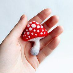 TonyaUtkina: Needle felted toys, mini birds and animals by Natasha Belova
