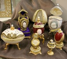 There, you will find a variety of Faberge eggs - real quail, duck and goose eggs - gorgeously crafted as treasure boxes, music boxes and perfume bottles.