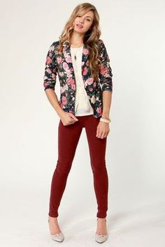 Hope you're up for looking radiant in the Rose to the Occasion Floral Blazer! A silky navy blue backdrop is blooming with pretty pink and ivory flowers, plus padded shoulders. Floral Blazer Outfit, Blazer Outfits, Blazer Fashion, Business Casual Attire, Professional Attire, Jeans Rosa, Bloom Fashion, Summer Outfits, Cute Outfits