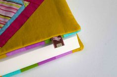 http://canelacheia.blogspot.pt/2013/01/capas-para-livros-book-covers.html