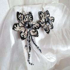 Náušnice: Maľované kvetiny čiernobiele s autorským motívom
