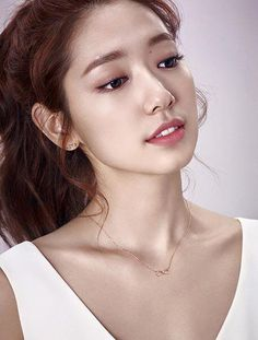 Park Shin-Hye's new Agatha Paris photos revealed