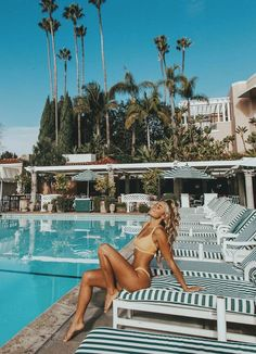 This particular dream pool most certainly is an inspiring and superb idea Summer Instagram Pictures, Summer Pictures, Beach Pictures, Pool Poses, Beach Poses, Bahamas Pictures, Vacation Pictures, Honeymoon Pictures, Beach Photography Poses