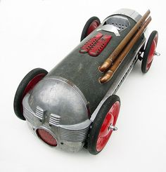 1946 Electrolux vacuum cleaner a couple pair of training wheels off a kid's bike utility knife copper pipe juice press parts toilet water valve etc. Kids Ride On, Kids Bike, Auto F1, Rat Rods, Electrolux Vacuum, Welding Art Projects, Sculpture Metal, Pedal Cars, Vw Cars