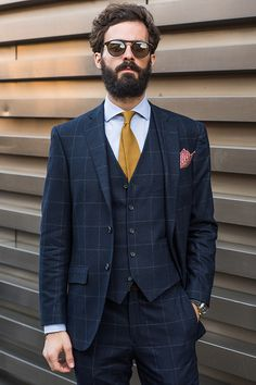 The Most Impeccable Menswear Looks From Pitti Uomo Mens Fashion Blog, Mens Fashion Suits, Urban Fashion, Mens Suits, Fashion Outfits, Male Fashion, Fashion Trends, African Fashion, Suit Up