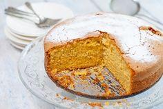 Dol op worteltjestaart? Dan moet je beslist deze kruidige pompoencake eens proberen. Pompoen kun je op dezelfde manier verwerken in gebak als wortel: