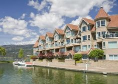 boating , swimmin and water skiing in the Okanagan, Kelowna, Penticton and Vernon